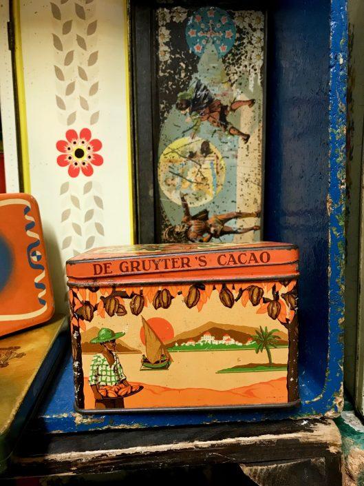 The Gruyter's cacao tin, circa 1930s.