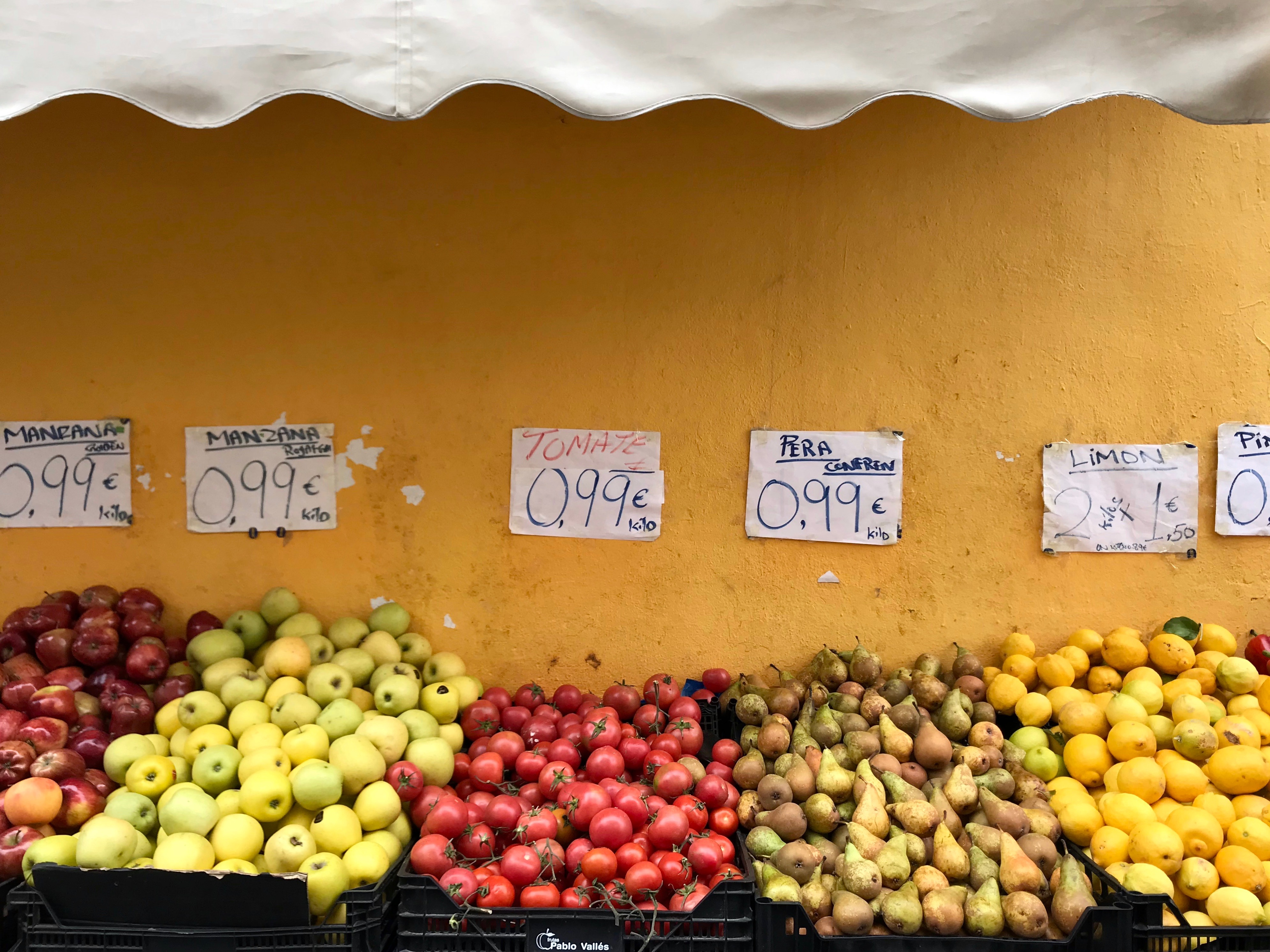 Fruit and vegetables at street stall